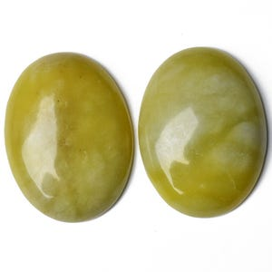 Yellow Smooth Serpentine 18mm x 25mm Calibrated Oval Cabochon Pack Of 1 CA16642-6