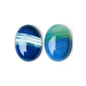 Blue Smooth Banded Agate 18mm x 25mm Calibrated Oval Cabochon Pack Of 1 CA17397-3