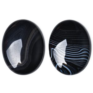 Black Smooth Banded Agate 18mm x 25mm Calibrated Oval Cabochon Pack Of 1 CA17406-3