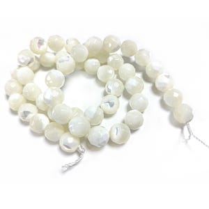 Pale Cream Mother Of Pearl Faceted Round Beads 8mm Strand Of 40+ Pieces CB45216-3