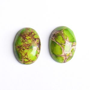 Lime Green Smooth Impression Jasper 18mm x 25mm Calibrated Oval Cabochon Pack Of 1 CB50472-1