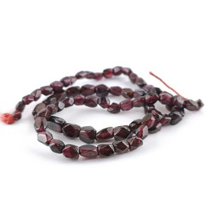 Red Garnet Grade A Faceted Nugget Beads Approx 4x6mm-5x6mm Strand Of 55+ Pieces DW1585