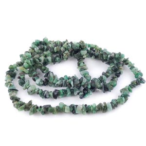 Green Shaded Emerald Grade A Chip Beads 4mm-6mm Long Strand Of 300+ Pieces DW1765