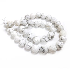 White/Grey Howlite Grade A Faceted Round Beads 10mm Strand Of 38+ Pieces GS10073-4