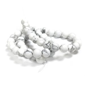 White/Grey Frosted Howlite Grade A Plain Round Beads 8mm Strand Of 40+ Pieces GS15658-1