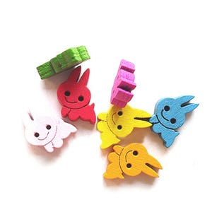 Mixed-Colour Wood 16mm 2-Hole Rabbit Buttons Pack Of 20 HA09820