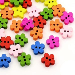 Mixed-Colour Wood 11mm 2-Hole Flower Buttons Pack Of 30 HA14340