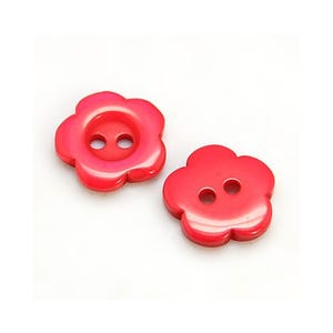Red Resin 15mm 2-Hole Flower Buttons Pack Of 20 HA14355