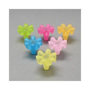 Mixed-Colour Lucite Flower Beads 18mm x 20mm Pack Of 20 HA25465