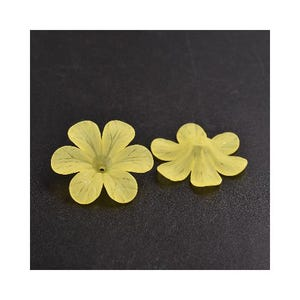 Yellow Lucite Flower Beads 8mm x 33mm Pack Of 20 HA26240