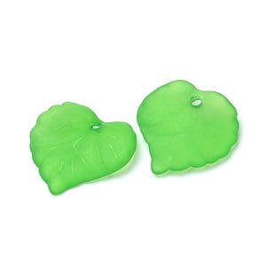 Green Lucite Leaf Beads 15mm x 16mm Pack Of 50+ HA26950