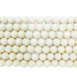 Pale Cream Coral Plain Round Beads 4mm Pack Of 12 VP2610