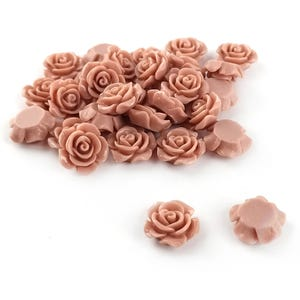 Beige Smooth Resin 14mm x 15mm Calibrated Flower Cabochons Pack Of 30 Y02350
