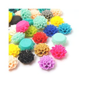 Mixed-Colour Smooth Resin 15mm Calibrated Flower Cabochons Pack Of 20 Y03765