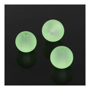 Pale Green Frosted Dyed Glass Plain Round Beads 8mm Strand Of 100+ Pieces Y04695