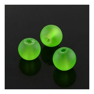 Green Frosted Dyed Glass Plain Round Beads 8mm Strand Of 100+ Pieces Y05605