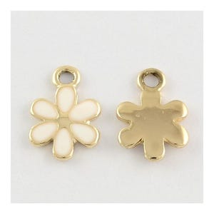 Gold/White Enamel & Alloy Flower Charms 10mm x 15mm Pack Of 5 Y06345