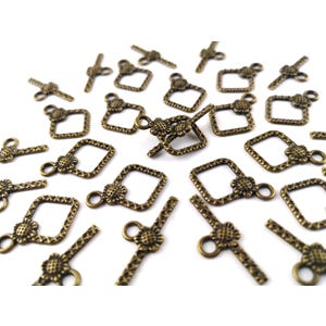 Antique Bronze Metal Alloy 15mm x 21mm Diamond Toggle Clasps Pack Of 25 Y10875