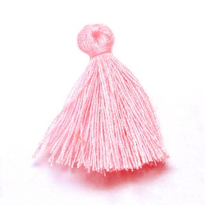 Pale Pink Polyester Tassels 3cm Pack Of 10 Y13305