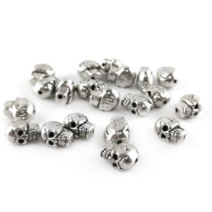 Antique Silver Zinc Alloy Skull Beads 6.5mm x 9mm Pack Of 20 Y15505