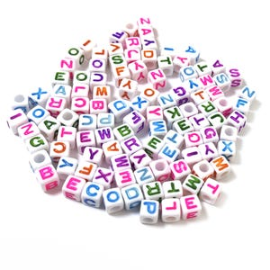White/Mixed-Colour Random Alphabet Acrylic Cube Beads 7mm Pack Of 100+ Y15645