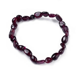 Dark Red Garnet One Size Nugget Stretchy Bracelet  Y15980