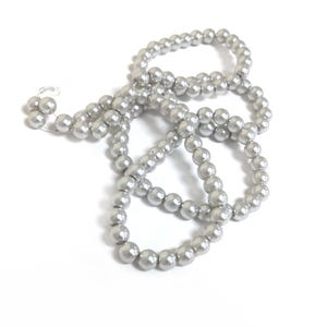Silver Pearlised Glass Plain Round Beads 8mm Long Strand Of 100+ Pieces Y16145