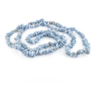 Blue Angelite Grade A Chip Beads Approx 6-10mm Long Strand Of 240+ Pieces Y16215