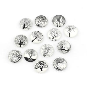 White/Black Smooth Glass 25mm Calibrated Coin Mixed Tree Cabochons Pack Of 15 Y16655