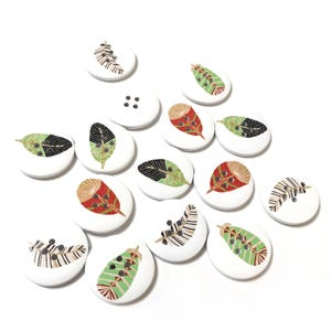 White/Mixed-Colour Wood 30mm 4-Hole Round Feather Buttons Pack Of 15 Y16760