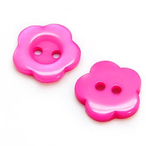 Fuchsia Resin 15mm 2-Hole Flower Buttons Pack Of 20 Y16915