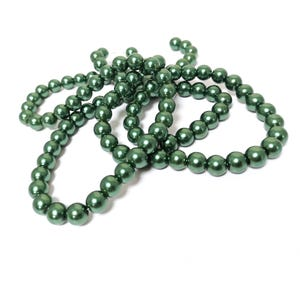 Green Pearlised Glass Plain Round Beads 8mm Long Strand Of 100+ Pieces Y16950