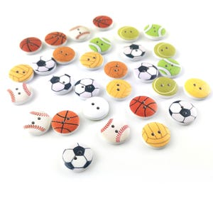 White/Mixed-Colour Wood 15mm 2-Hole Round Sport Buttons Pack Of 30 Y17245