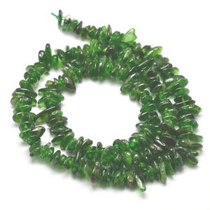 Green Chrome Diopside Grade A Chip Beads Approx 4-8mm Strand Of 95+ Pieces Y17255