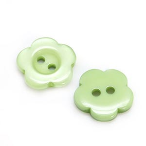 Pale Green Resin 15mm 2-Hole Flower Buttons Pack Of 20 Y17620