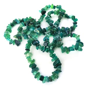 Green Onyx Grade A Chip Beads Approx 6-12mm Long Strand Of 120+ Pieces Y17810