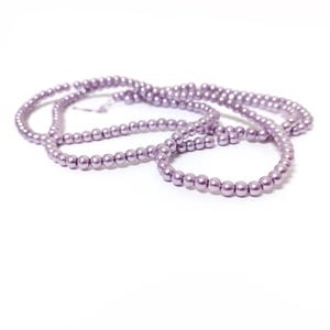 Lilac Pearlised Glass Plain Round Beads 3mm-4mm Long Strand Of 200+ Pieces Y17905
