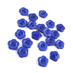 Dark Blue Resin 15mm 2-Hole Flower Buttons Pack Of 20 Y17950