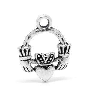 Antique Silver Tibetan Zinc Celtic Claddagh Ring Charms 18mm Pack Of 4 ZX06035