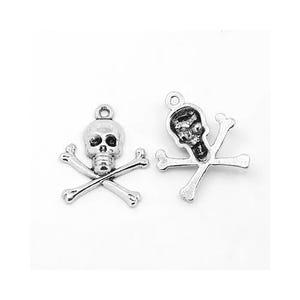 Antique Silver Tibetan Zinc Skull & Crossbones Charms 24mm Pack Of 20 ZX09530