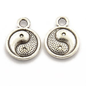 Antique Silver Tibetan Zinc Yin Yang Charms 10mm Pack Of 8 ZX09825