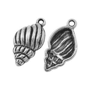Antique Silver Tibetan Zinc Shell Pendants 26mm Pack Of 10 ZX11325